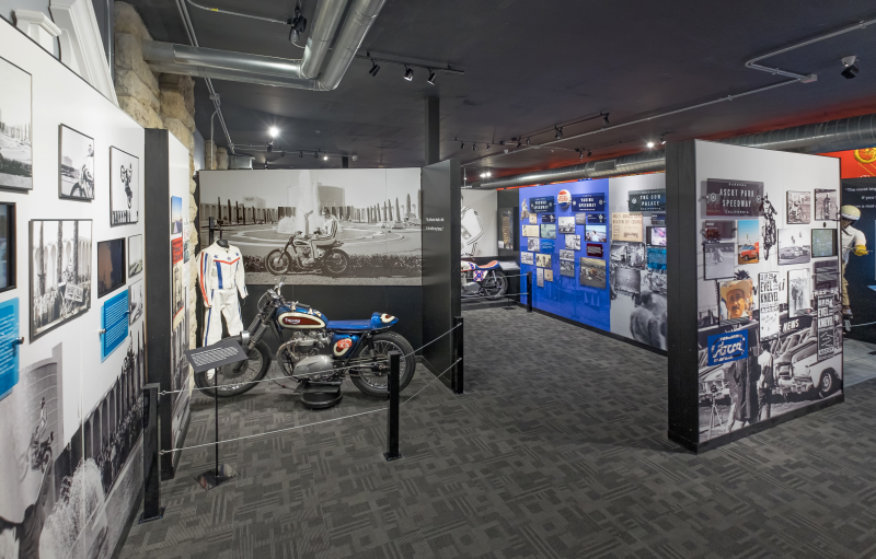 Evel Knievel Thrill Show & Museum