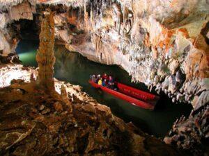 Penn´s Cave and Wildlife Park